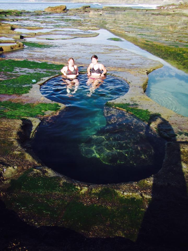 Bathing in Figure 8 Pools